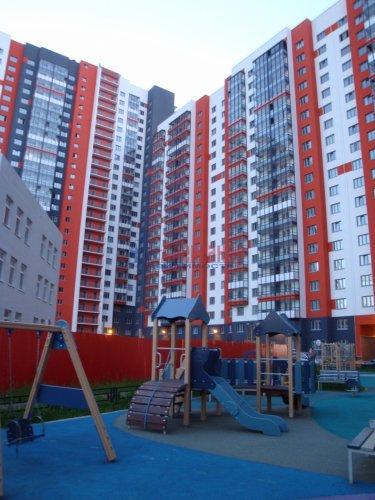 1-комнатная квартира (40м2) на продажу по адресу Маршала Казакова ул., 78— фото 1 из 10