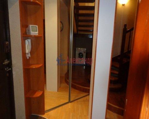 3-комнатная квартира (115м2) на продажу по адресу Нахимова ул., 7— фото 3 из 10