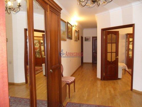 3-комнатная квартира (101м2) на продажу по адресу Науки пр., 17— фото 8 из 33