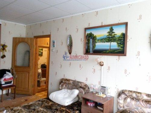 2-комнатная квартира (48м2) на продажу по адресу Кириши г., Мира ул., 4— фото 3 из 8