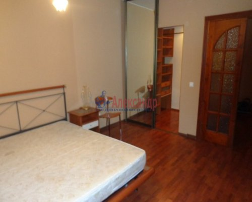 3-комнатная квартира (115м2) на продажу по адресу Нахимова ул., 7— фото 5 из 10