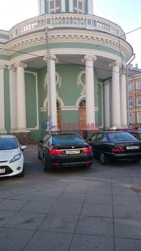 2-комнатная квартира (70м2) на продажу по адресу Кирочная ул., 8— фото 2 из 5