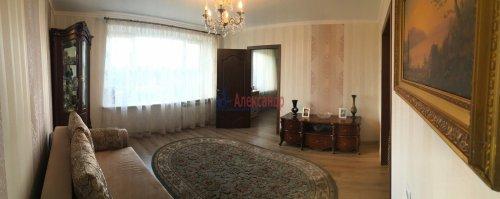 3-комнатная квартира (57м2) на продажу по адресу Раевского пр., 20— фото 3 из 31