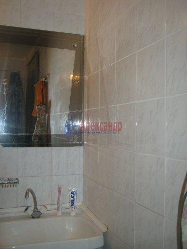 Комната в 6-комнатной квартире (117м2) на продажу по адресу Композиторов ул., 24— фото 8 из 8