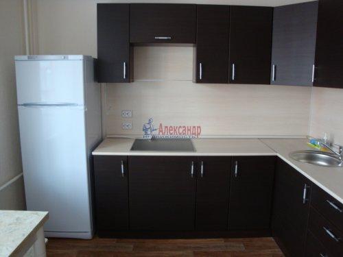 1-комнатная квартира (40м2) на продажу по адресу Маршала Казакова ул., 78— фото 2 из 10