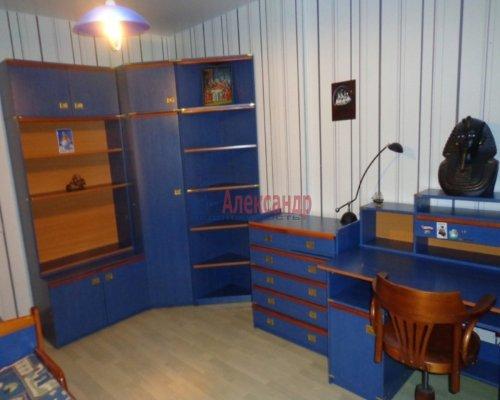 3-комнатная квартира (115м2) на продажу по адресу Нахимова ул., 7— фото 7 из 10