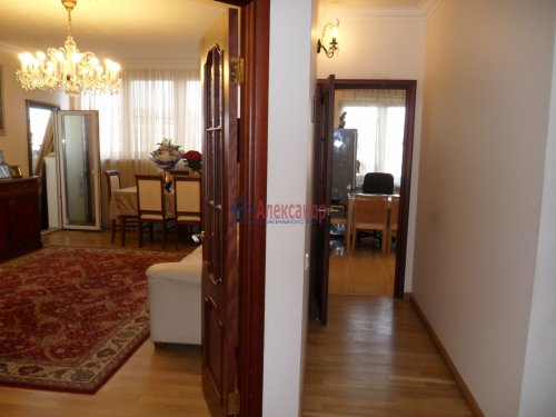 3-комнатная квартира (101м2) на продажу по адресу Науки пр., 17— фото 10 из 33