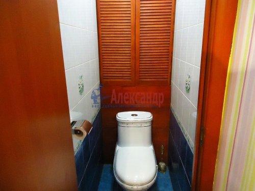 4-комнатная квартира (64м2) на продажу по адресу Славы пр., 12— фото 12 из 13