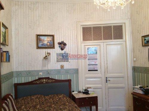 3-комнатная квартира (62м2) на продажу по адресу Реки Карповки наб., 25— фото 2 из 9