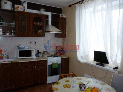 2-комнатная квартира (44м2) на продажу по адресу Важины пгт., Трифанова ул., 8— фото 1 из 5