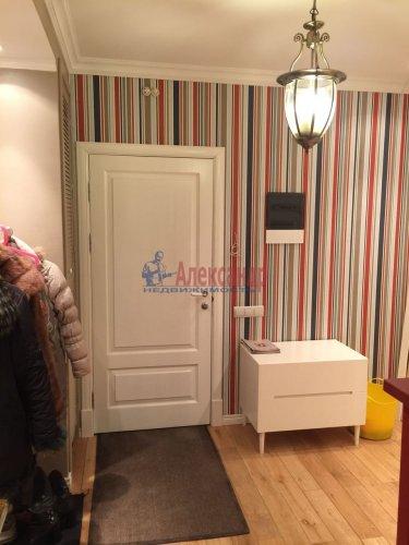 2-комнатная квартира (69м2) на продажу по адресу Шуваловский пр., 41— фото 2 из 28