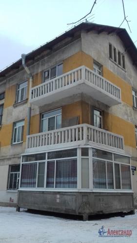 2-комнатная квартира (65м2) на продажу по адресу Октябрьская наб., 90— фото 4 из 5