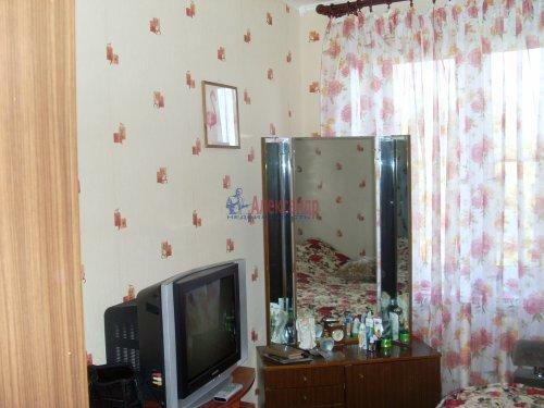2-комнатная квартира (42м2) на продажу по адресу Кузнечное пгт., Юбилейная ул., 2— фото 7 из 9