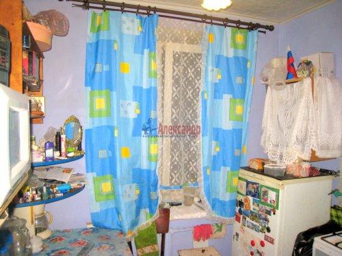 2-комнатная квартира (42м2) на продажу по адресу Павловск г., Мичурина ул., 28— фото 4 из 9