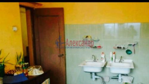 2 комнаты в 8-комнатной квартире (200м2) на продажу по адресу Металлострой пос., Садовая ул., 21— фото 2 из 5