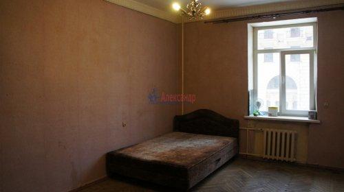 Комната в 9-комнатной квартире (250м2) на продажу по адресу Конторская ул., 14— фото 1 из 14