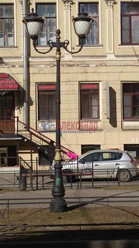 2-комнатная квартира (70м2) на продажу по адресу Кирочная ул., 8— фото 3 из 5