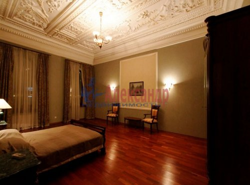 4-комнатная квартира (176м2) на продажу по адресу Кутузова наб., 18— фото 7 из 11