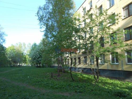 4-комнатная квартира (49м2) на продажу по адресу Новаторов бул., 38— фото 1 из 7