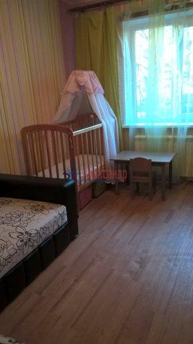 2-комнатная квартира (57м2) на продажу по адресу Отрадное г., Гагарина ул., 14— фото 2 из 13