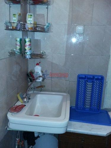 2 комнаты в 16-комнатной квартире (380м2) на продажу по адресу Красное Село г., Гвардейская ул., 25— фото 5 из 9
