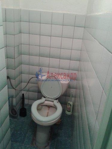 Комната в 6-комнатной квартире (70м2) на продажу по адресу Пасторова ул., 4— фото 9 из 11