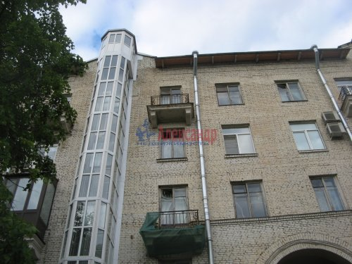 Комната в 3-комнатной квартире (65м2) на продажу по адресу Большой Сампсониевский пр., 74— фото 1 из 10