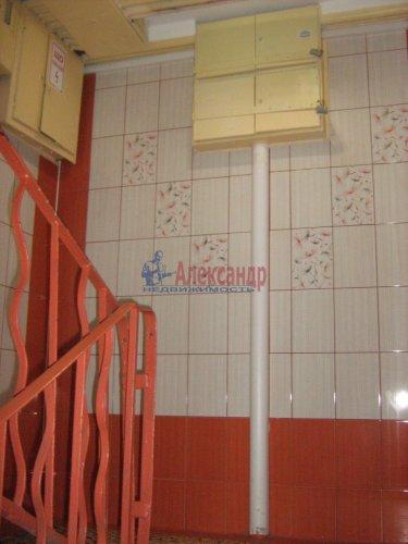 2-комнатная квартира (50м2) на продажу по адресу Светлановский просп., 62— фото 4 из 22