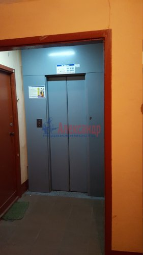 2-комнатная квартира (42м2) на продажу по адресу Седова ул., 120— фото 2 из 11