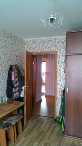 3-комнатная квартира (67м2) на продажу по адресу Кириши г., Ленина пр., 30— фото 10 из 15