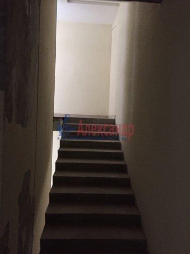 2-комнатная квартира (82м2) на продажу по адресу Береговая ул., 13— фото 5 из 8