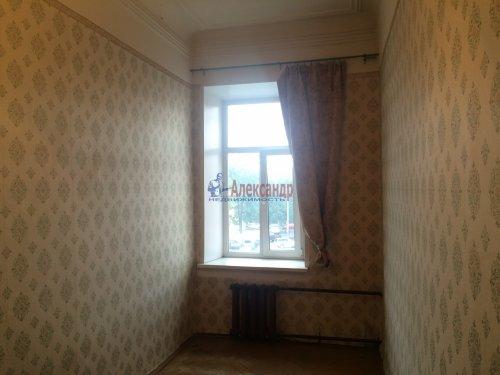 Комната в 3-комнатной квартире (68м2) на продажу по адресу Уральская ул., 15— фото 2 из 12