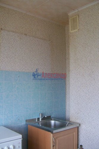 1-комнатная квартира (38м2) на продажу по адресу Оредеж пос., Карла Маркса ул., 10— фото 12 из 14