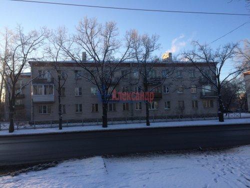 2-комнатная квартира (42м2) на продажу по адресу Стрельна г., Санкт-Петербургское шос., 90— фото 1 из 10