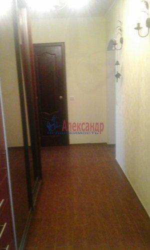 2-комнатная квартира (64м2) на продажу по адресу Рощино пгт., Садовый пер., 6— фото 2 из 10