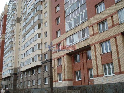 1-комнатная квартира (39м2) на продажу по адресу Оптиков ул., 52— фото 2 из 24