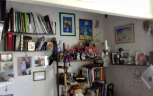 2-комнатная квартира (61м2) на продажу по адресу Коммунар г., Гатчинская ул., 6— фото 1 из 3