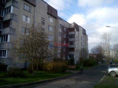 1-комнатная квартира (44м2) на продажу по адресу Волхов г., Расстанная ул., 6— фото 1 из 6
