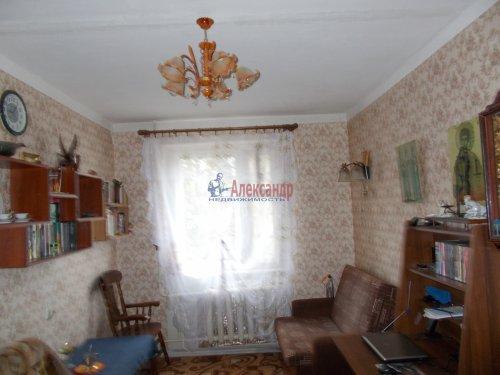 Комната в 8-комнатной квартире (109м2) на продажу по адресу Тихвин г., 5-й мкр., 41— фото 1 из 1