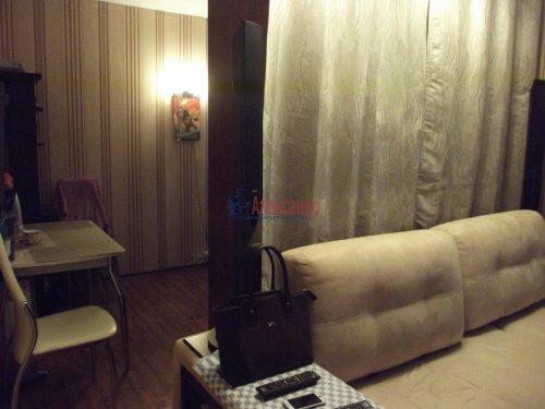 Комната в 3-комнатной квартире (79м2) на продажу по адресу Индустриальный пр., 29— фото 3 из 11