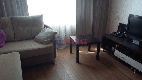 1-комнатная квартира (35м2) на продажу по адресу Бадаева ул., 8— фото 1 из 6