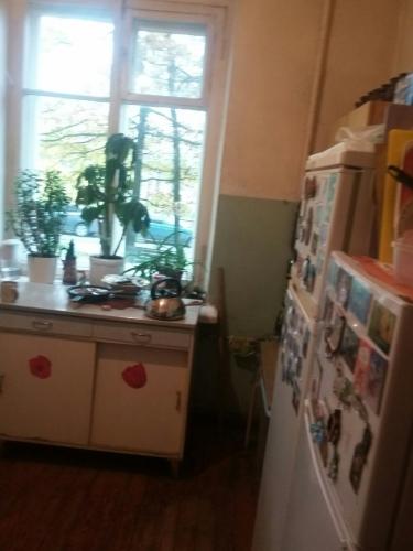Комната в 4-комнатной квартире (94м2) на продажу по адресу Понтонный пос., Заводская ул., 3— фото 4 из 9