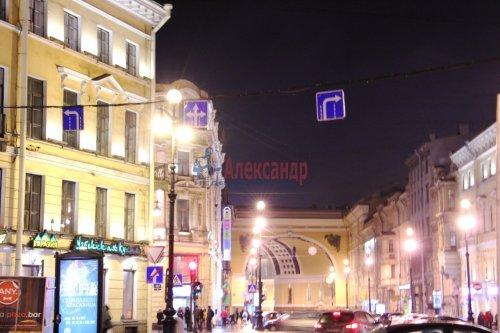 2-комнатная квартира (51м2) на продажу по адресу Невский пр., 13— фото 2 из 10