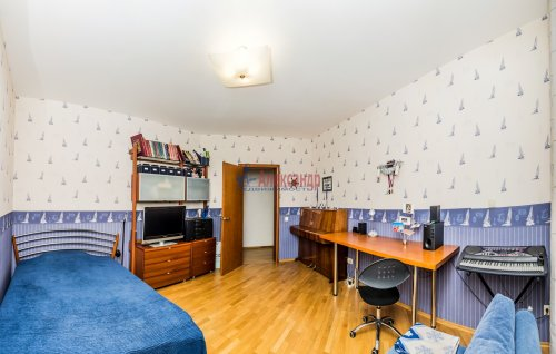 3-комнатная квартира (145м2) на продажу по адресу Коломяжский пр., 20— фото 5 из 33