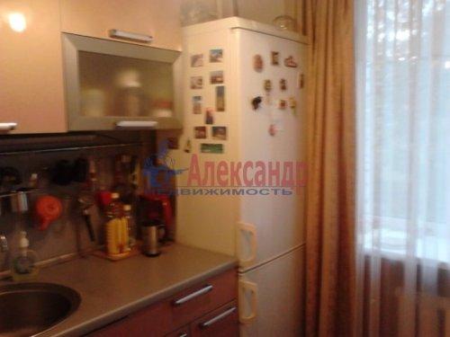 1-комнатная квартира (30м2) на продажу по адресу Стрельна г., Попова ул., 9— фото 3 из 5