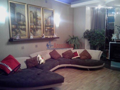 4-комнатная квартира (167м2) на продажу по адресу Малоохтинский пр., 16— фото 3 из 10