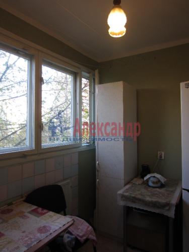 2 комнаты в 3-комнатной квартире (64м2) на продажу по адресу Горелово пос., Красносельское шос., 46— фото 4 из 12