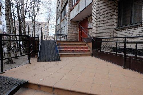 1-комнатная квартира (37м2) на продажу по адресу Вавиловых ул., 17— фото 1 из 15