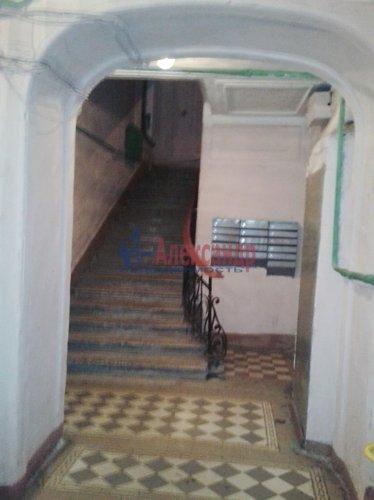 Комната в 6-комнатной квартире (70м2) на продажу по адресу Пасторова ул., 4— фото 10 из 11