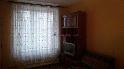 1-комнатная квартира (38м2) на продажу по адресу Брянцева ул., 15— фото 3 из 13